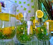 Kiwi Pineapple Lemon Detox Water