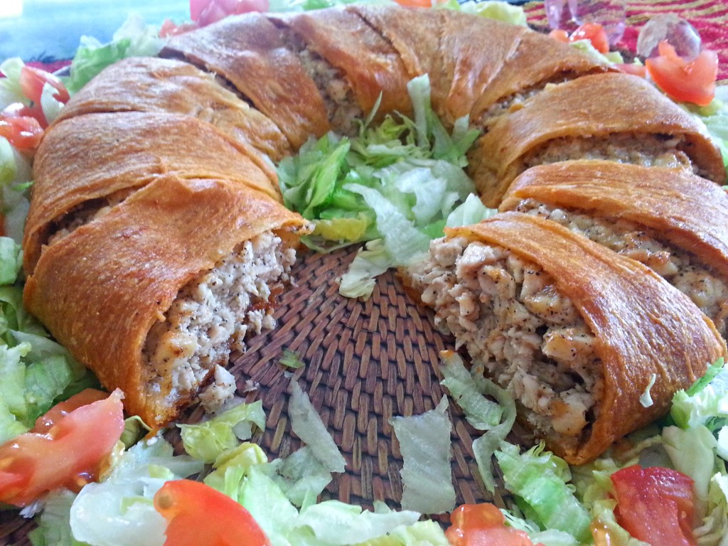 chicken stuffed crescent ring